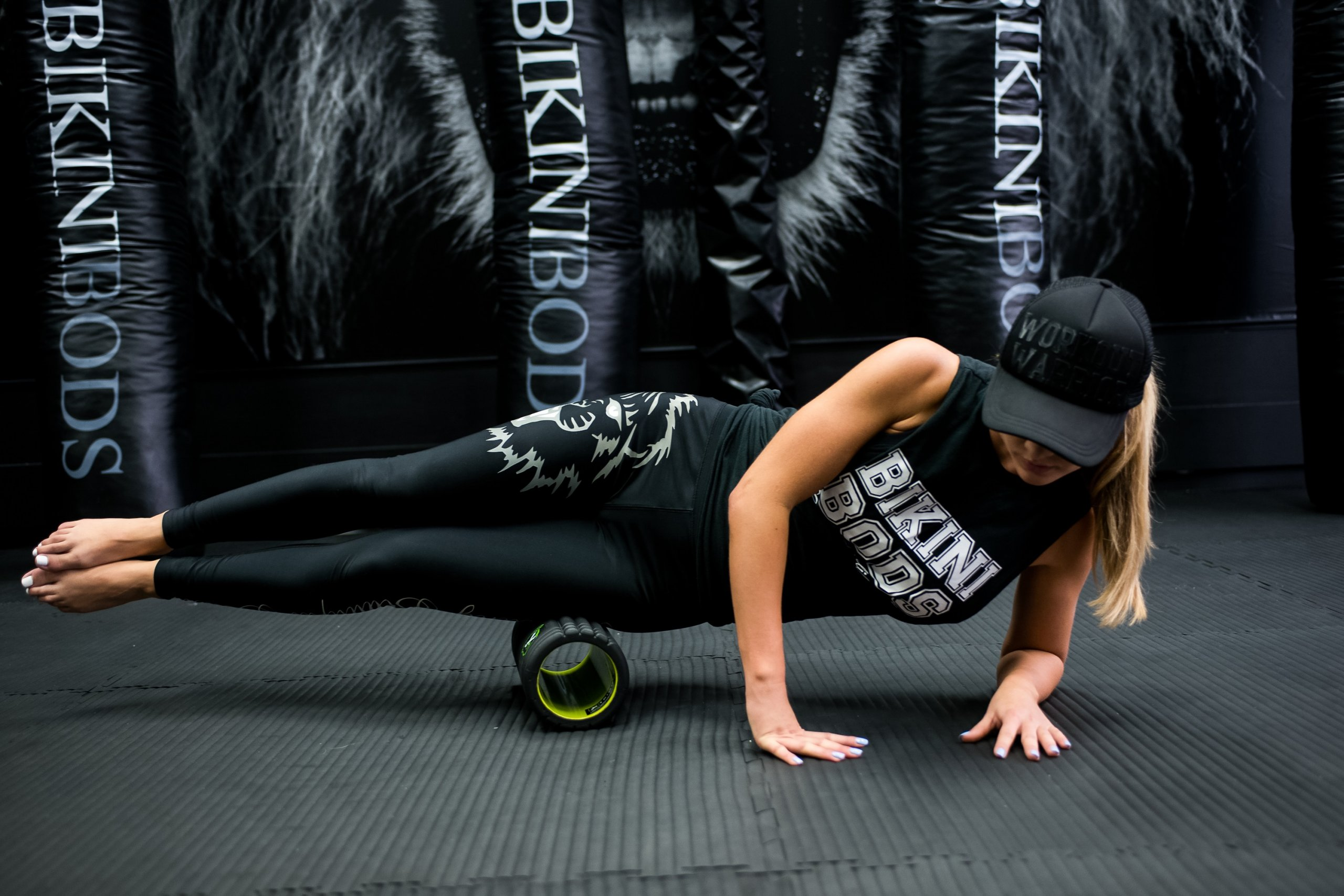 HOW TO PREVENT KNEE, BACK, HIP & UPPER BODY INJURIES WITH FOAM ROLLING!
